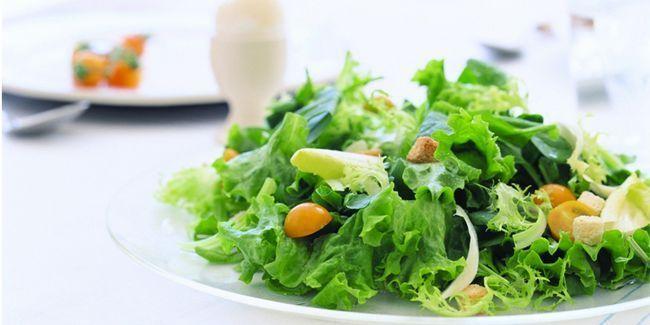 12 Причин додати листя салату в щоденний раціон