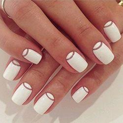 манікюр в білому кольорі