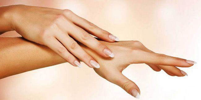 7 Способів догляду за руками в домашніх умовах