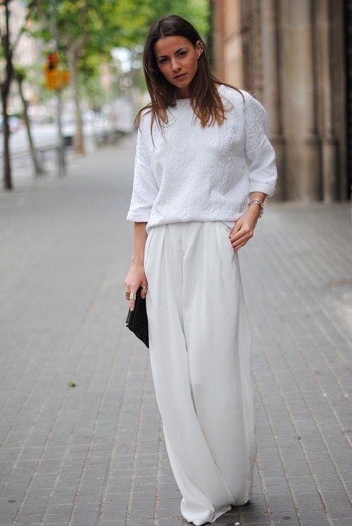 Білий колір в одязі. Жіночий стиль.