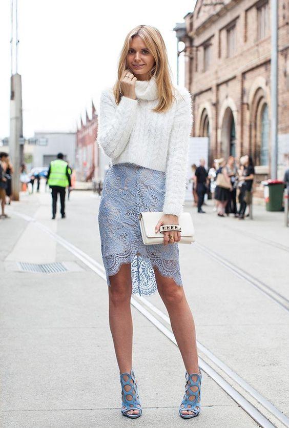 носити білий клатч зі спідницею і светром