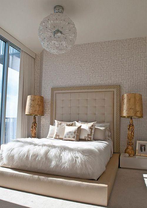 спальня бежевого відтінку
