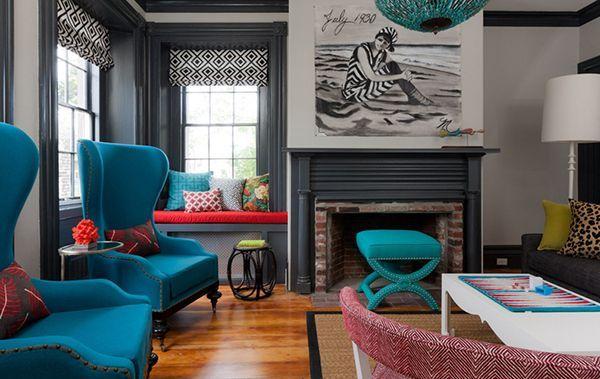 кімната з бірюзовою меблями