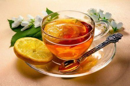 Чим корисний чай з лимоном при вагітності. Як його приготувати.