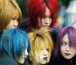 Що робити, якщо не влаштовує колір волосся? Або натуральне декапирование проти професійних засобів