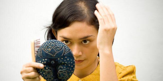 Що робити при випаданні волосся: вживаємо заходів