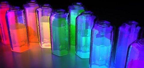 Робимо світиться рідина з підручних засобів і люминисцентной лампи