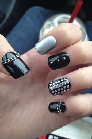 чорно-сірий дизайн нігтів