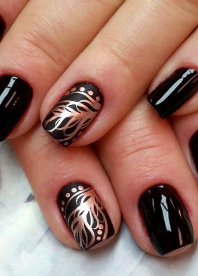візерунки на чорних нігтях