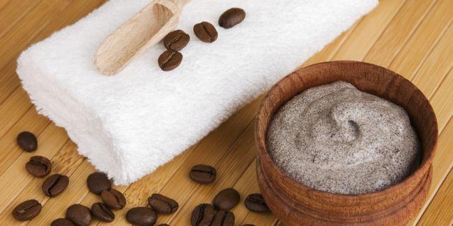 Домашній скраб від розтяжок: рецепти першої допомоги