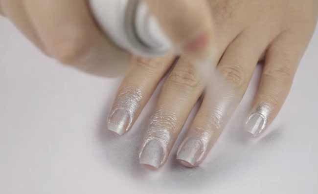 Фантастична ідея манікюру, для тих хто не любить фарбувати нігті пензликом