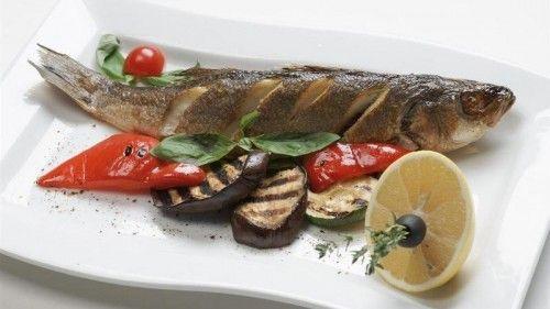 Готуємо сібас в духовці - чистка риби і приготування
