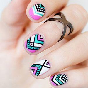 візерунки на коротких нігтях