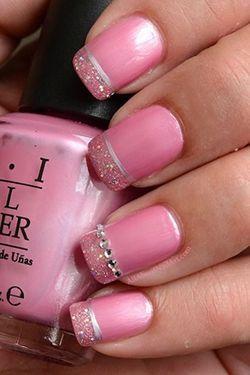 рожевий дизайн нігтів