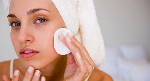 Позбавляємося від прищів на обличчі в домашніх умовах - раціон харчування і косметичні засоби
