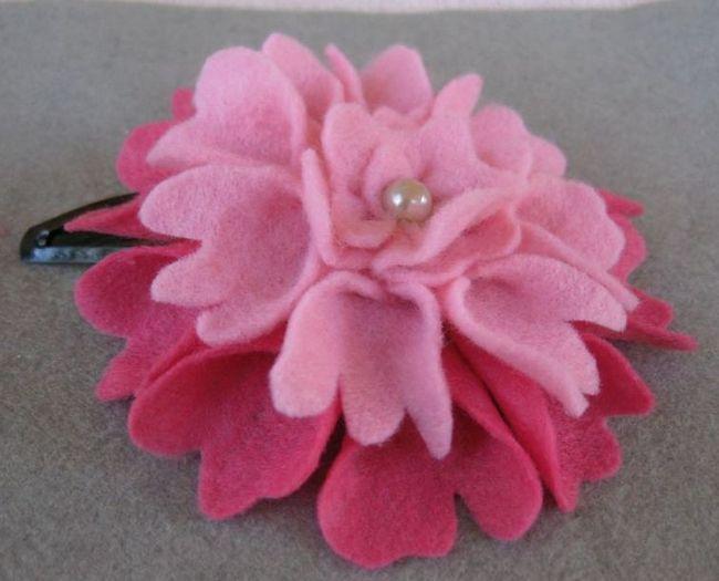 Витончений квітка з фетру у вигляді півонії для прикраси шпильки або обруча