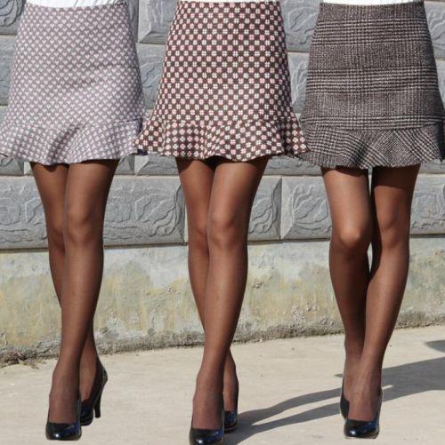 Як і з чим носити міні-спідницю на роботу і на прогулянку - поради стильним модницям