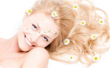 Як освітлити волосся народними засобами