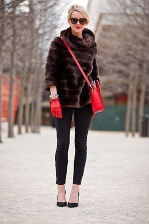 поєднання сумки і рукавичок з шубою