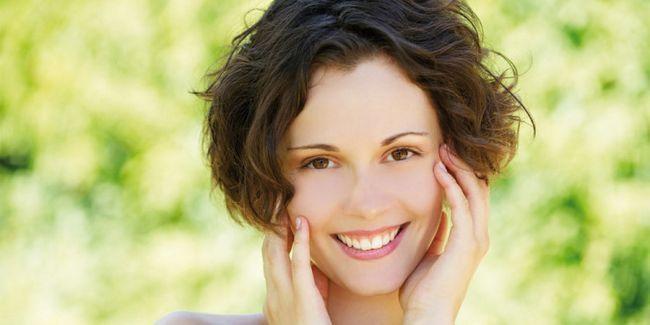 Як зробити шкіру обличчя гладкою: 7 базових прийомів