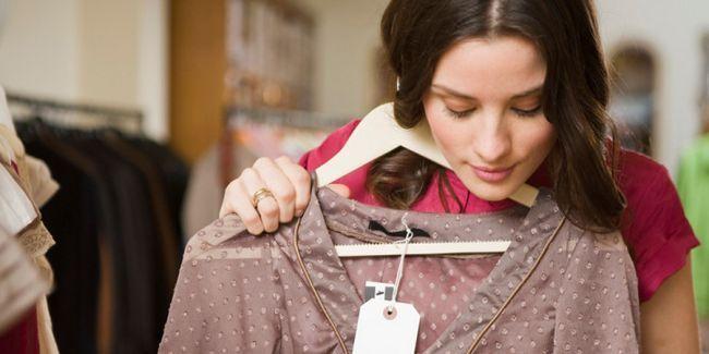 Як стати вище: одяг для дівчат маленького зросту