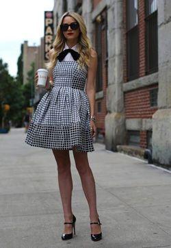 плаття з пишною спідницею