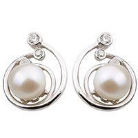 модні сережки з перлами