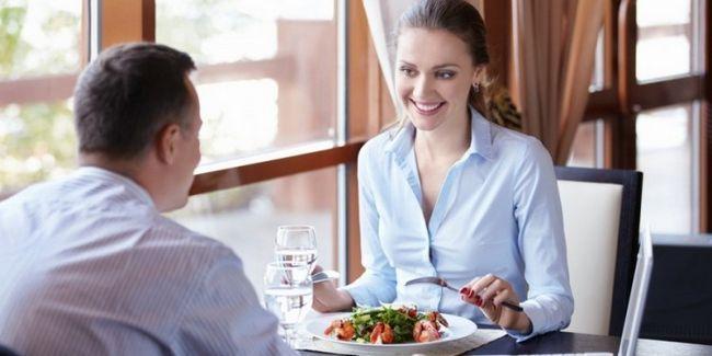 Які правила етикету ділової вечері?