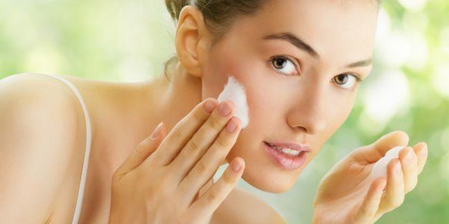 Косметика для жирної шкіри обличчя: правила вибору