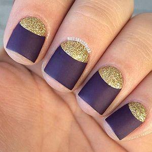 місячний манікюр на короткі нігті