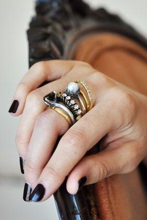 прикраси на пальці