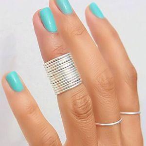 манікюр під срібний перстень
