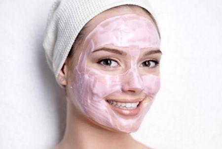 маска для обличчя з рожевої глини