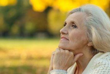 Маски для обличчя в домашніх умовах від зморшок: догляд за шкірою обличчя після 60 років