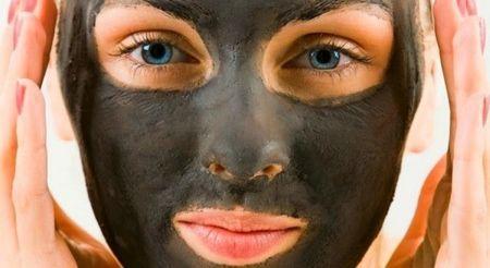 Маски з чорної глини для обличчя