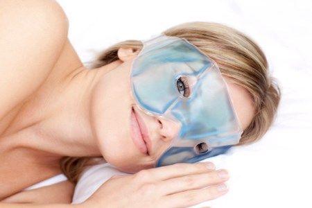 маска проти зморшок навколо очей