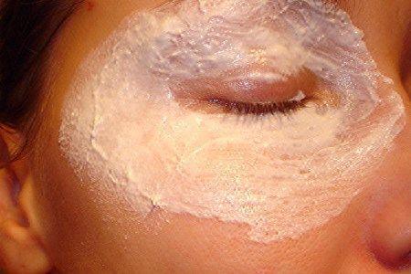 маска навколо очей від зморшок