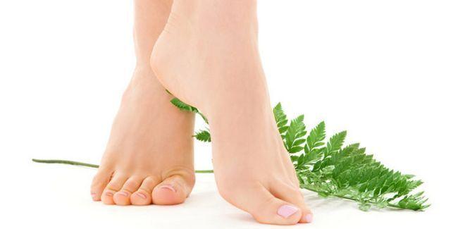 здорові стопи ніг