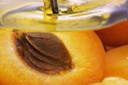 Масло персикових кісточок для особи