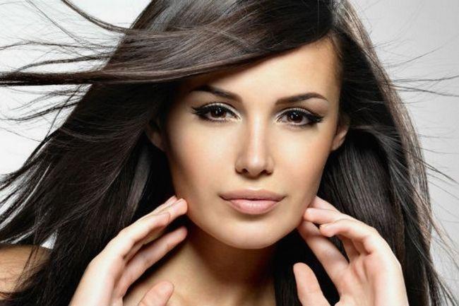Мрієте про каскадної стрижці? Фото допоможуть з варіантом на довге волосся