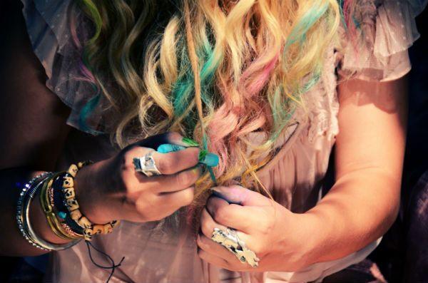 Крейда для волосся: як користуватися чудо-засобом