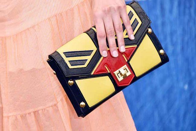 Модниці на замітку: тренди та нові стильні ідеї манікюру