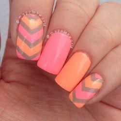 яскраві нігті