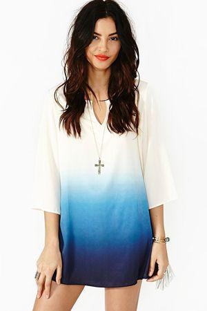 біле плаття з градієнтом