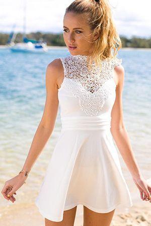 біле плаття Skater