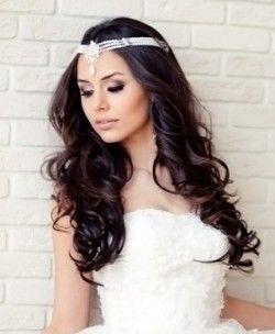 Найбільш популярні весільні зачіски з розпущеним волоссям