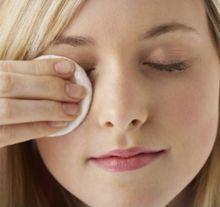 Народні засоби для зняття макіяжу з очей