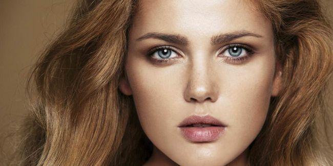 Новий тренд: макіяж в техніці стробінг