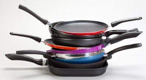 Очищаємо сковороду від нагару в домашніх умовах спеціальними і підручними засобами