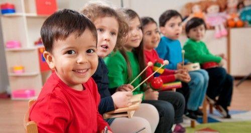 Оформлення куточків в групі дитячого саду - покупка і виготовлення прикрас